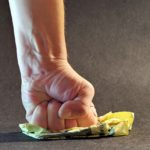 Nerwowość i rozdrażnienie – jak sobie radzić z objawami?